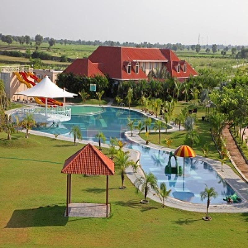 100 Acres Resort